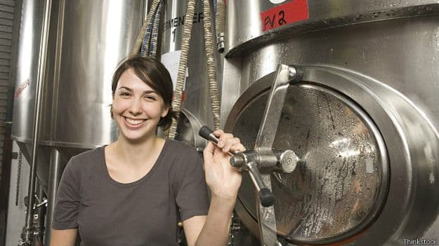 141230105258_beer_girl_micro_brewery_624x351_thinkstock